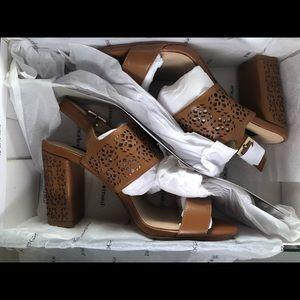 Shoes - 🌹3/$20🌹Town shoes